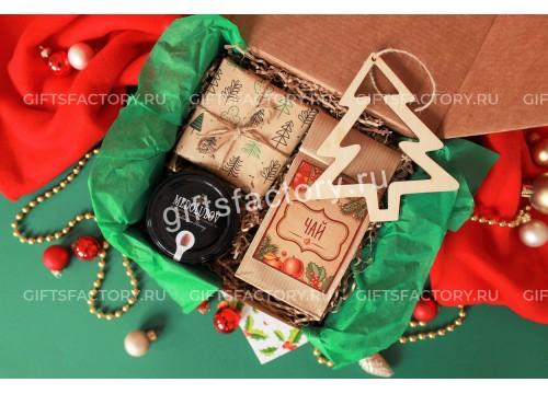Подарок под елкой